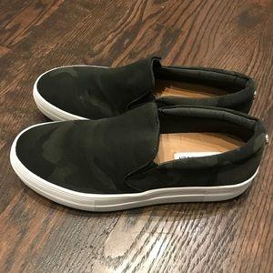 cf6bc7ceca8 Steve Madden Shoes - New Steve Madden Platform Gills Green Camo Nylon 8